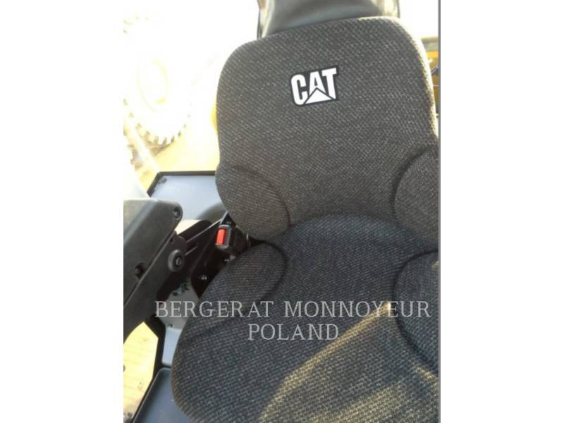CATERPILLAR COMPACTEUR VIBRANT, MONOCYLINDRE LISSE CS64B equipment  photo 2