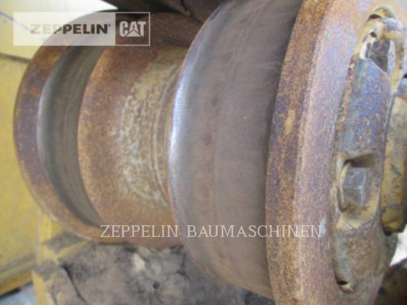 CATERPILLAR TRACTEURS SUR CHAINES D8R equipment  photo 16