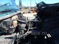 FREIGHTLINER CAMIONS ROUTIERS M2106 equipment  photo 11