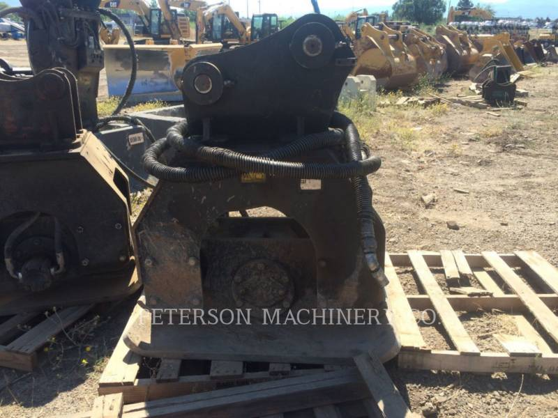 CATERPILLAR COMPACTADORES CVP110 320 equipment  photo 2
