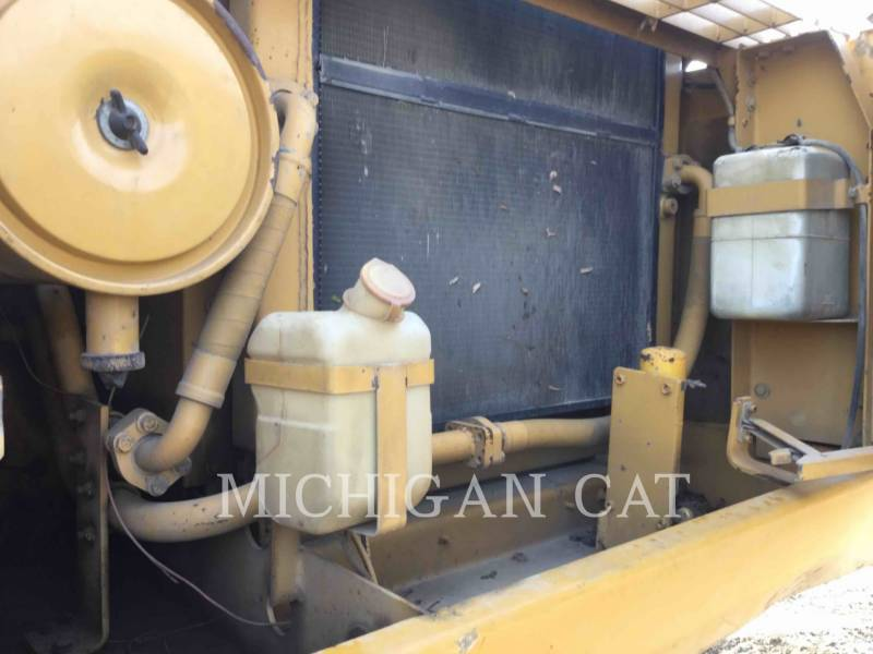 CATERPILLAR EXCAVADORAS DE CADENAS 330L equipment  photo 12