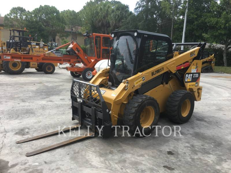 CATERPILLAR SKID STEER LOADERS 272D2 equipment  photo 1