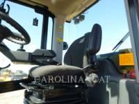 CATERPILLAR 振動シングル・ドラム・スムーズ CS64B equipment  photo 7