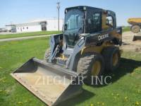 Equipment photo DEERE & CO. 328E SKID STEER LOADERS 1