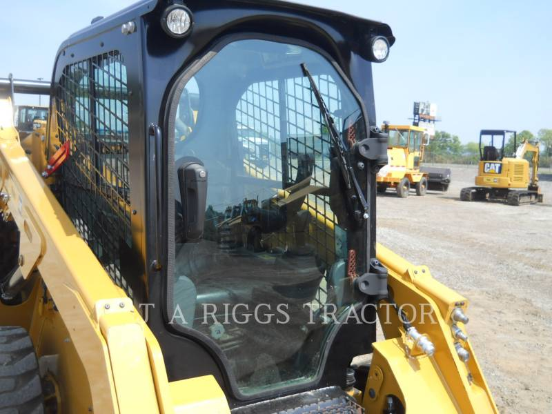 CATERPILLAR PALE COMPATTE SKID STEER 242D A equipment  photo 9