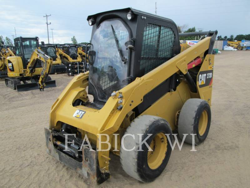 CATERPILLAR SKID STEER LOADERS 272 D equipment  photo 2