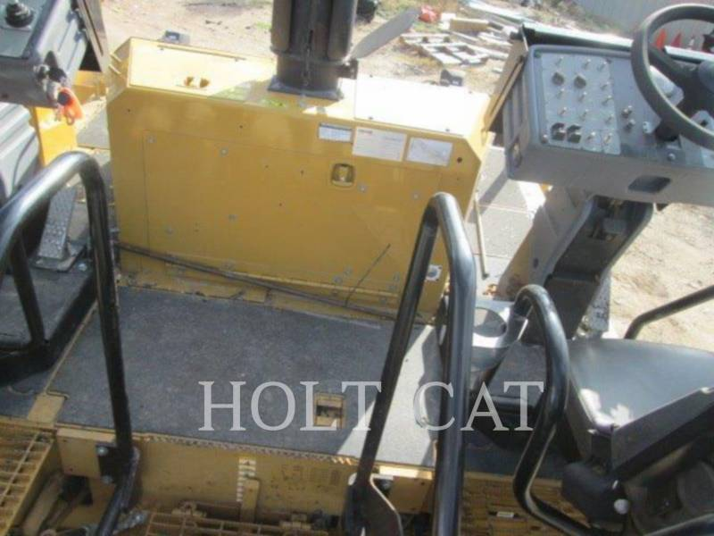 CATERPILLAR PAVIMENTADORA DE ASFALTO AP-600D equipment  photo 7