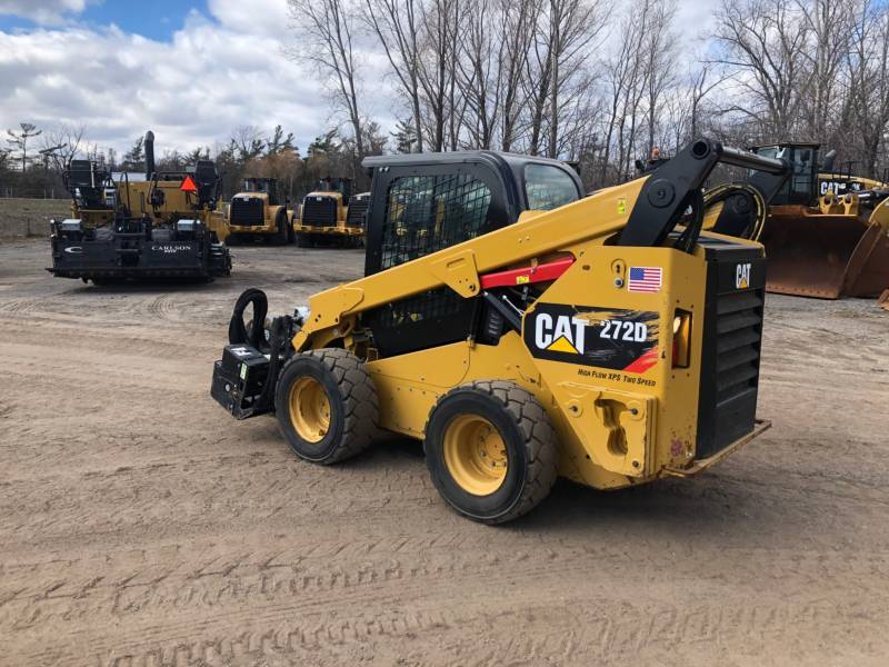 CATERPILLAR CHARGEURS COMPACTS RIGIDES 272D equipment  photo 3