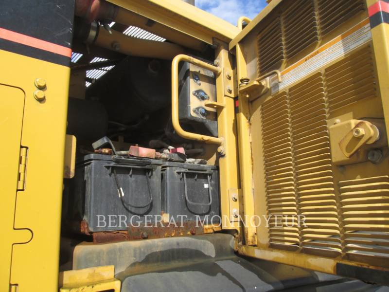 CATERPILLAR NIVELEUSES 120H equipment  photo 11