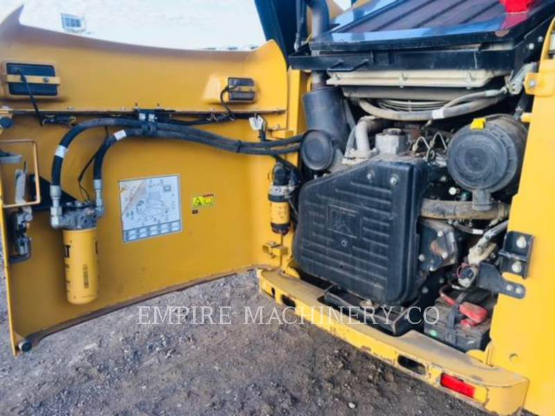 CATERPILLAR SKID STEER LOADERS 259B3 CA equipment  photo 10