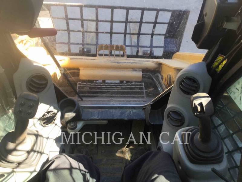 CATERPILLAR SKID STEER LOADERS 262C2 A2RQ equipment  photo 21