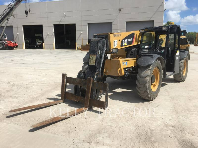 Caterpillar STIVUITOR TELESCOPIC TL642C equipment  photo 1