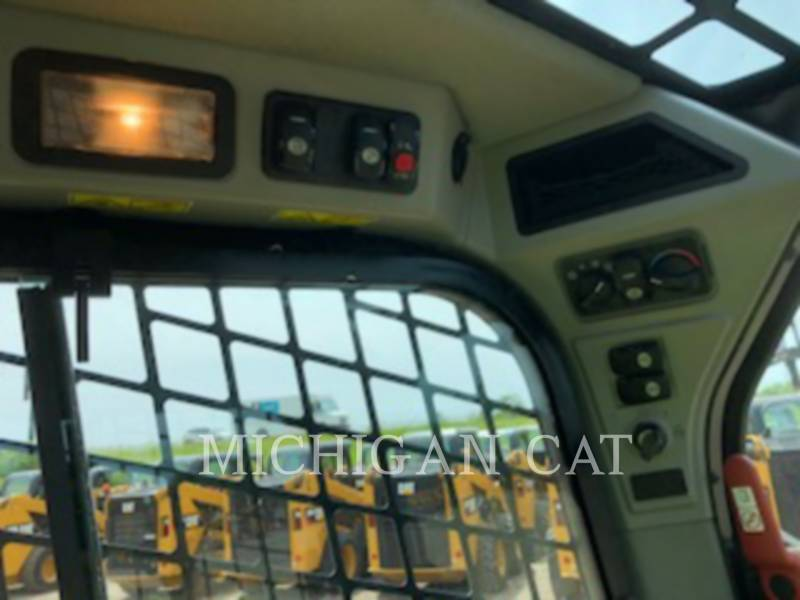 CATERPILLAR KOMPAKTLADER 236D equipment  photo 20