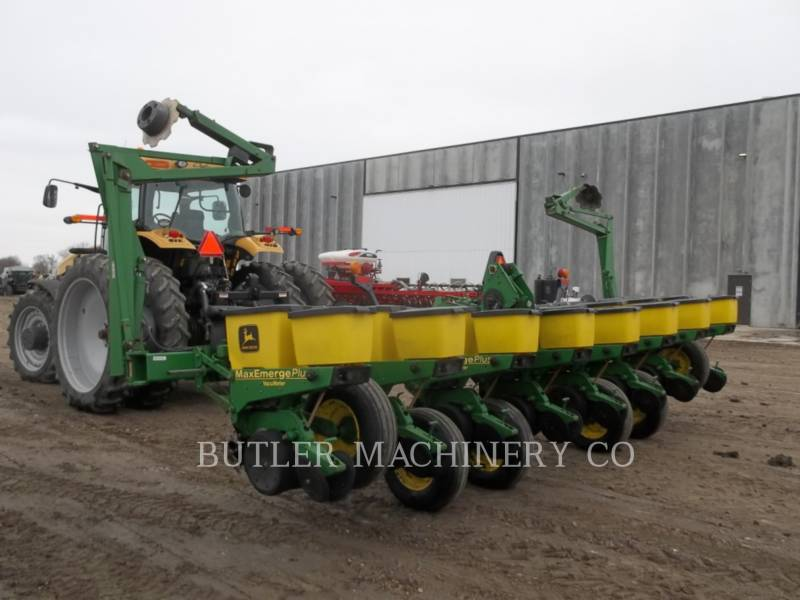 DEERE & CO. PLANTING EQUIPMENT 1760 equipment  photo 6
