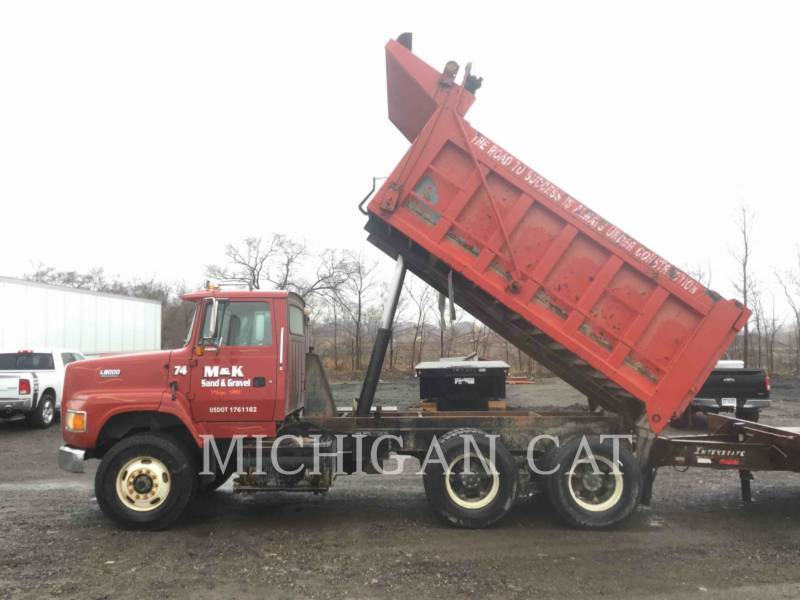 FORD TRUCK LKW L8000 equipment  photo 15