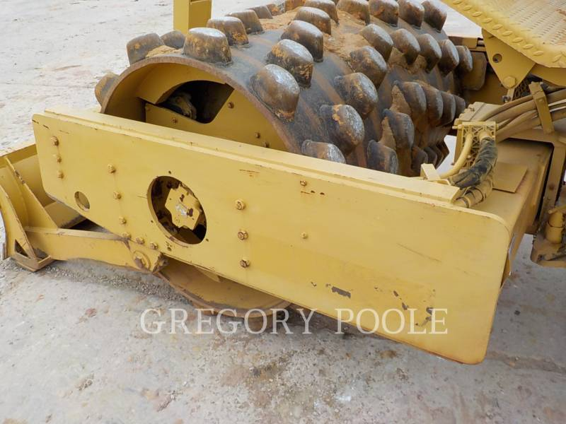 CATERPILLAR COMPACTEUR VIBRANT, MONOCYLINDRE À PIEDS DAMEURS CP-433C equipment  photo 12