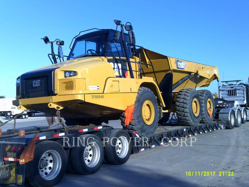 CATERPILLAR WASSER-LKWS 725C equipment  photo 1