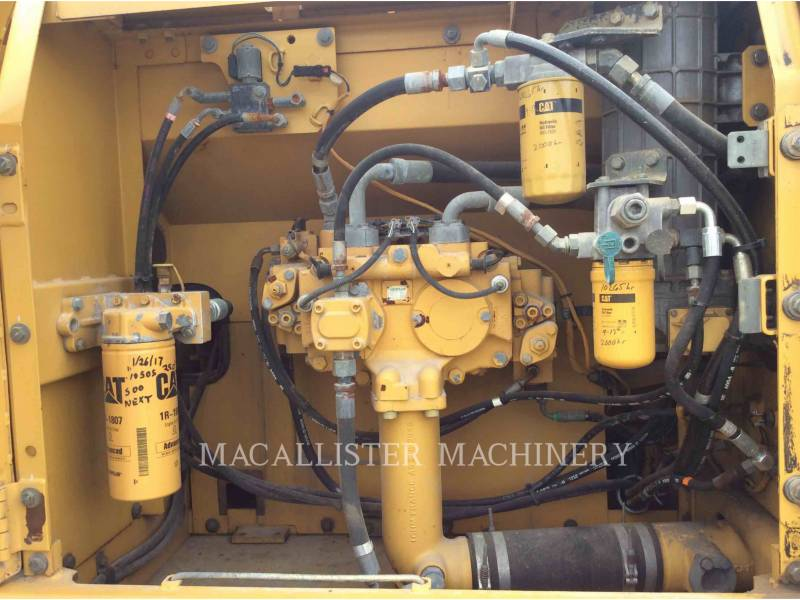 CATERPILLAR KETTEN-HYDRAULIKBAGGER 324DL equipment  photo 18