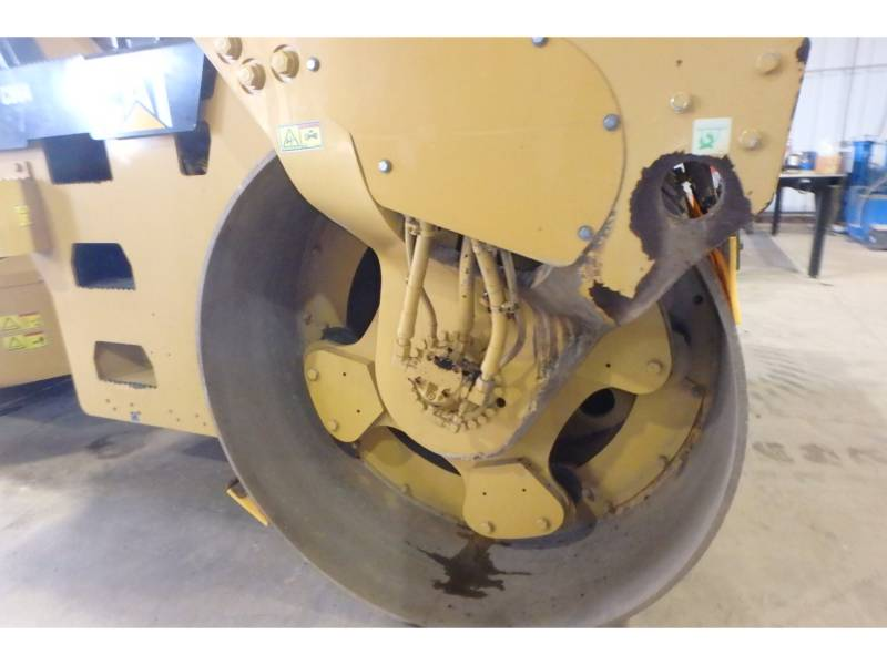 CATERPILLAR VIBRATORY DOUBLE DRUM ASPHALT CB64 equipment  photo 13