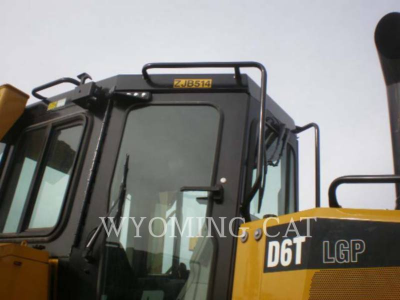 CATERPILLAR KETTENDOZER D6T LGP equipment  photo 2
