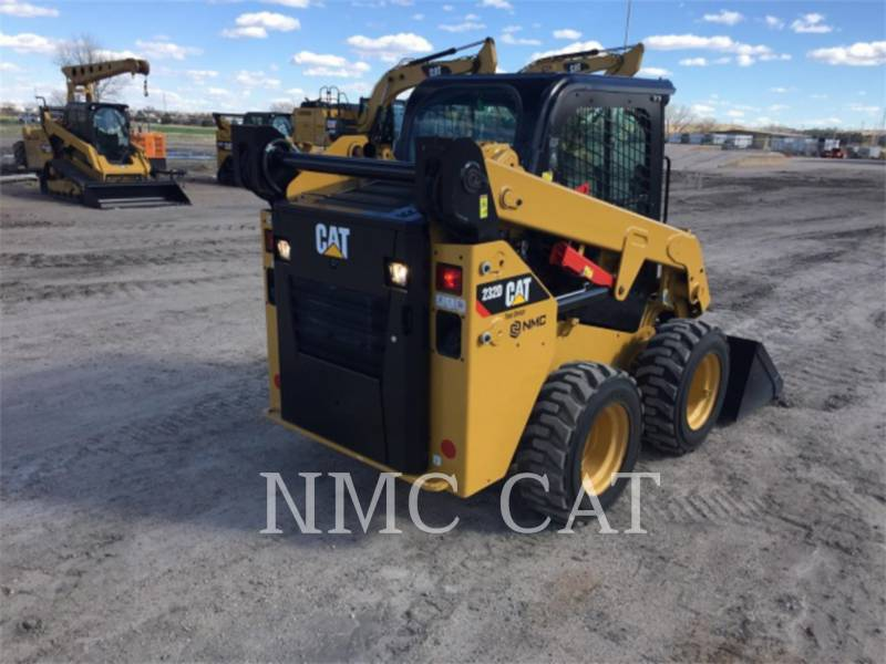 CATERPILLAR CHARGEURS COMPACTS RIGIDES 232D equipment  photo 2