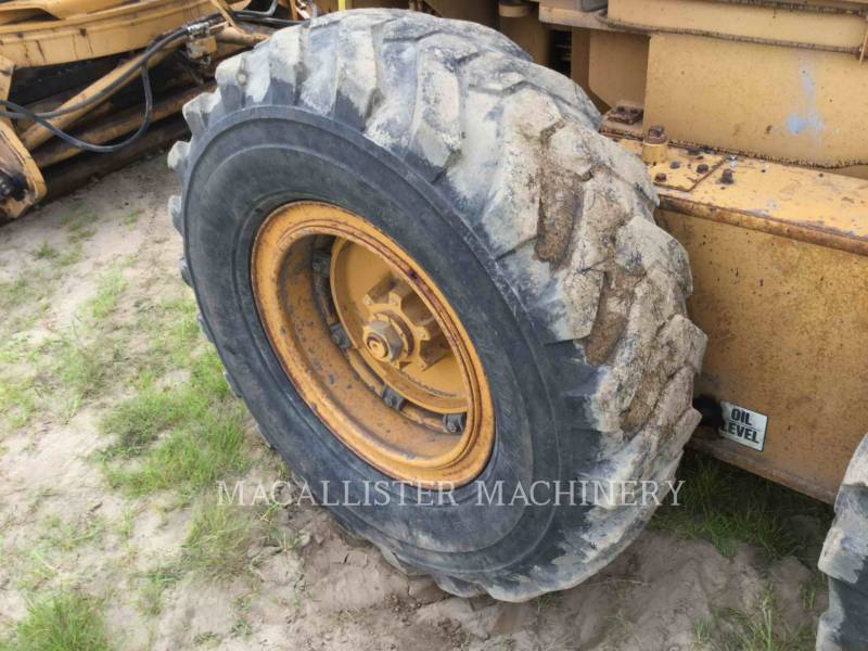 DRESSER MOTOR GRADERS A550 equipment  photo 8