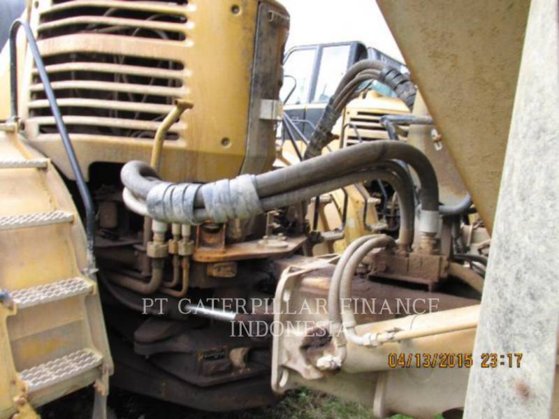 Caterpillar CAMIOANE ARTICULATE 740 equipment  photo 15