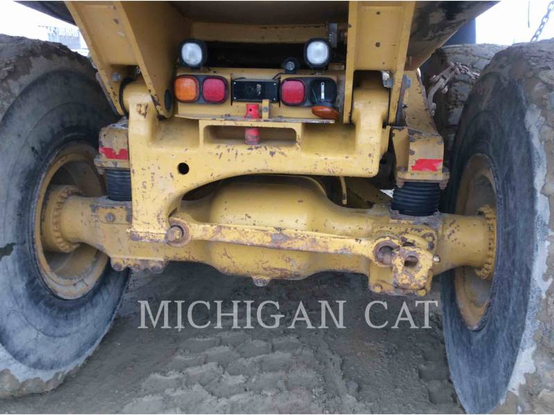 CATERPILLAR ARTICULATED TRUCKS 740 T equipment  photo 23