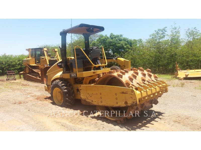 CATERPILLAR COMPACTEUR VIBRANT, MONOCYLINDRE LISSE CS-423E equipment  photo 2
