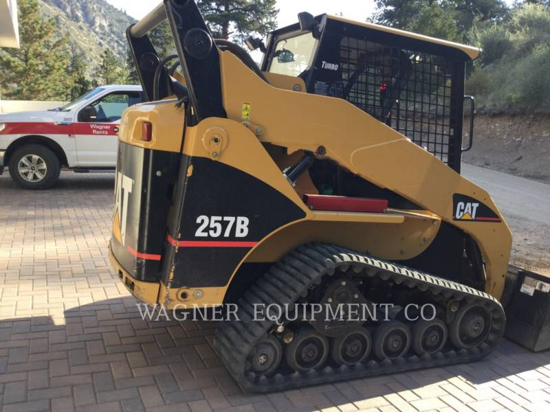 CATERPILLAR SKID STEER LOADERS 257B equipment  photo 4