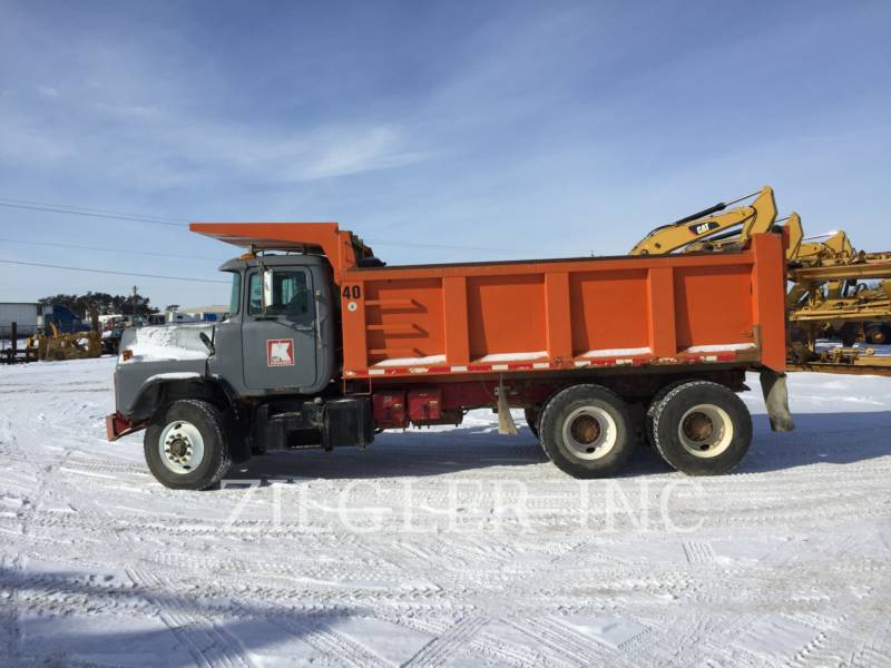 MACK WOZIDŁA TECHNOLOGICZNE DM688S equipment  photo 5
