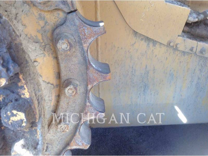 CATERPILLAR TRACTORES DE CADENAS D5ML equipment  photo 13