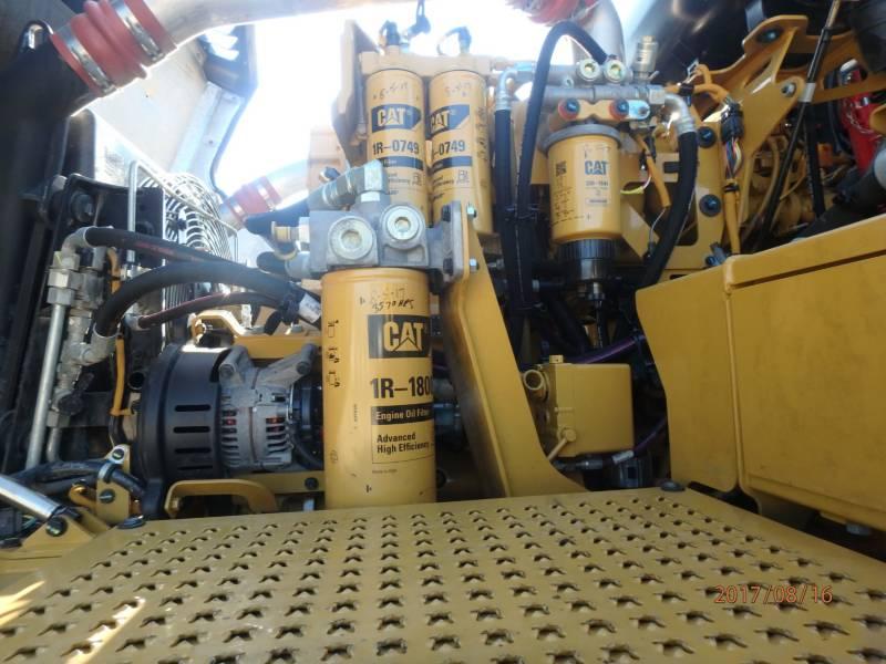CATERPILLAR CAMIONES ARTICULADOS 740B equipment  photo 12