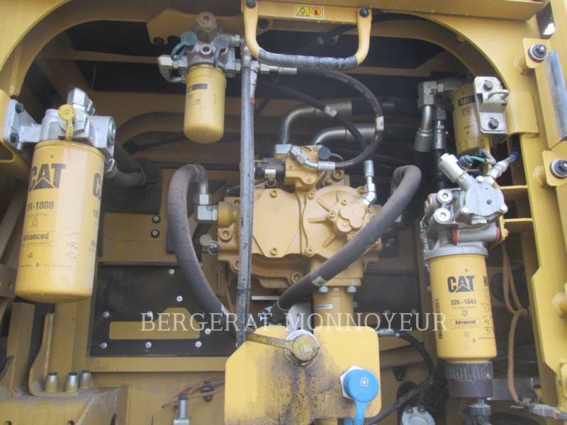 CATERPILLAR TRACK EXCAVATORS 349E equipment  photo 18