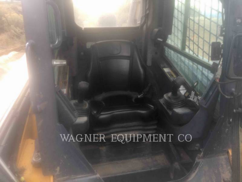 DEERE & CO. SKID STEER LOADERS 333E equipment  photo 5