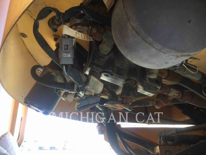 VOLVO CONSTRUCTION EQUIPMENT WHEEL LOADERS/INTEGRATED TOOLCARRIERS L120 equipment  photo 9