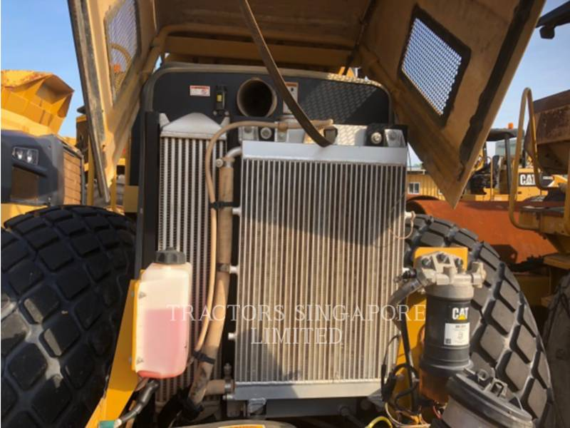 CATERPILLAR VIBRATORY SINGLE DRUM SMOOTH CS-533E equipment  photo 18