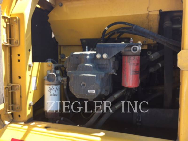 KOMATSU LTD. トラック油圧ショベル PC220LC-8 equipment  photo 8