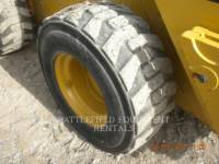 CATERPILLAR SKID STEER LOADERS 272D equipment  photo 10