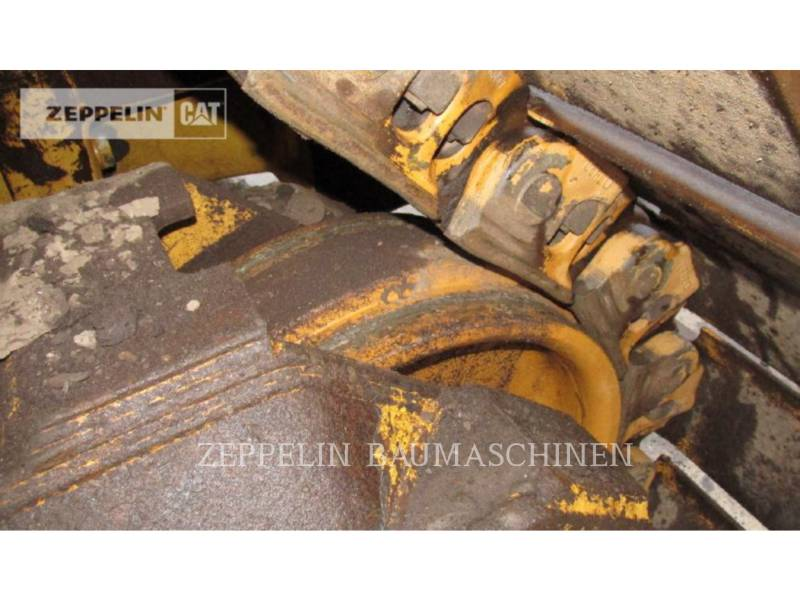 CATERPILLAR ブルドーザ D8T equipment  photo 14
