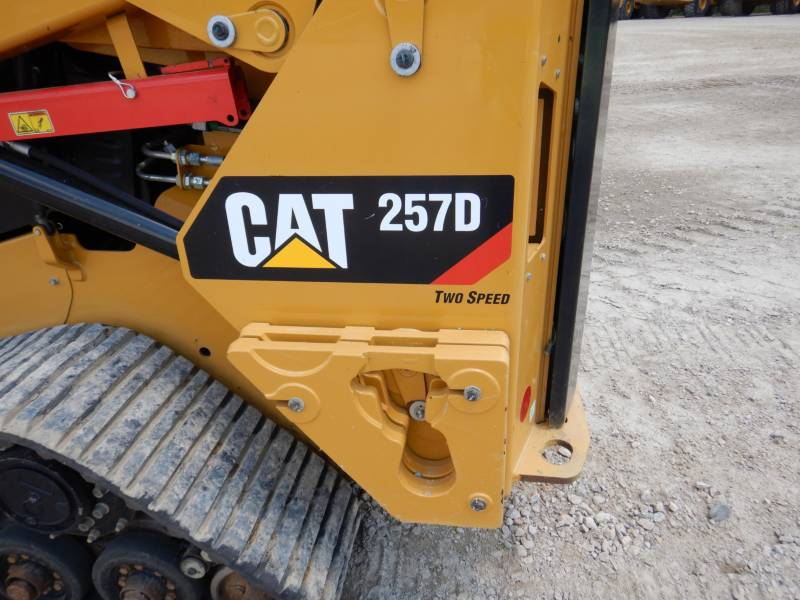 CATERPILLAR MULTI TERRAIN LOADERS 257 D equipment  photo 23