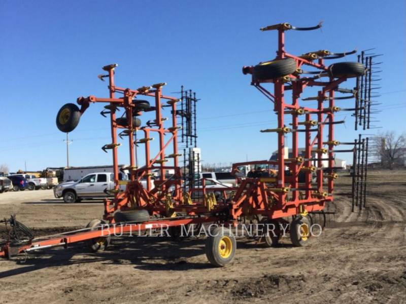BOURGAULT INDUSTRIES AG TILLAGE EQUIPMENT 8800-40 equipment  photo 1