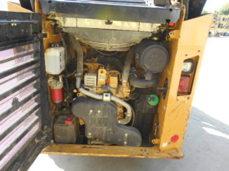 CATERPILLAR SKID STEER LOADERS 262D equipment  photo 13
