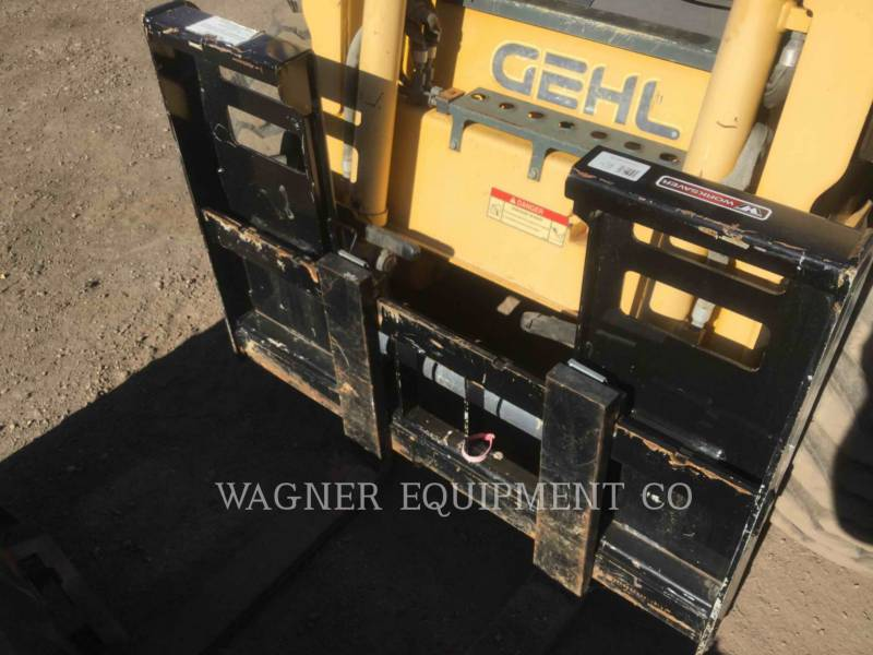 GEHL COMPANY CHARGEURS COMPACTS RIGIDES 4640E equipment  photo 7