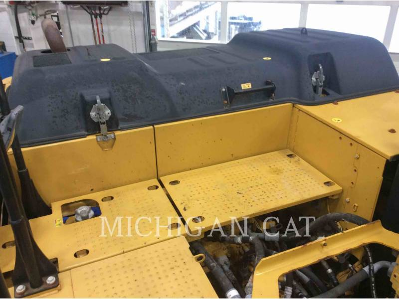 CATERPILLAR KETTEN-HYDRAULIKBAGGER 320EL equipment  photo 15