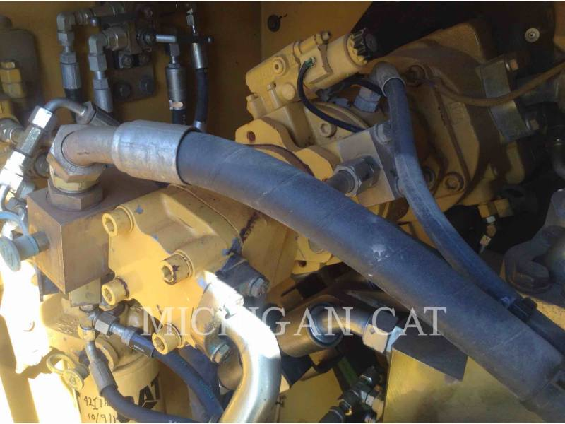 CATERPILLAR TRACK EXCAVATORS 365CL equipment  photo 9