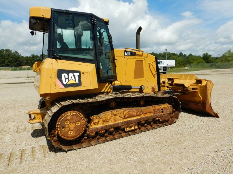 CATERPILLAR TRACK TYPE TRACTORS D 6 K2 XL equipment  photo 1