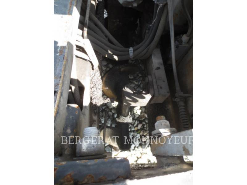 CATERPILLAR PAVIMENTADORA DE ASFALTO BB621C equipment  photo 11