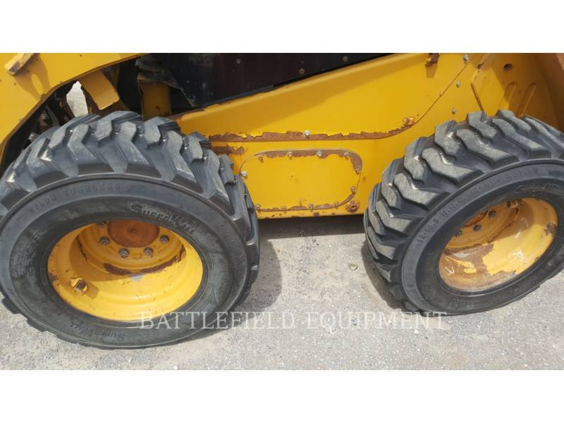 CATERPILLAR MINICARREGADEIRAS 262C equipment  photo 6