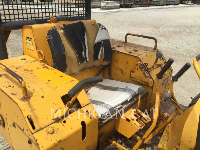 JOHN DEERE KETTENDOZER 350B equipment  photo 5